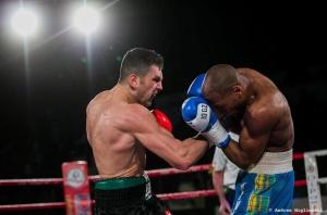 Boxe Orlando Fiordigiglio: all'azionde durante il combattimento per la difesa del Titolo Intercontinentale I.B.F.